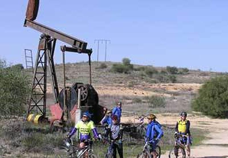 שדה הנפט בחלץ