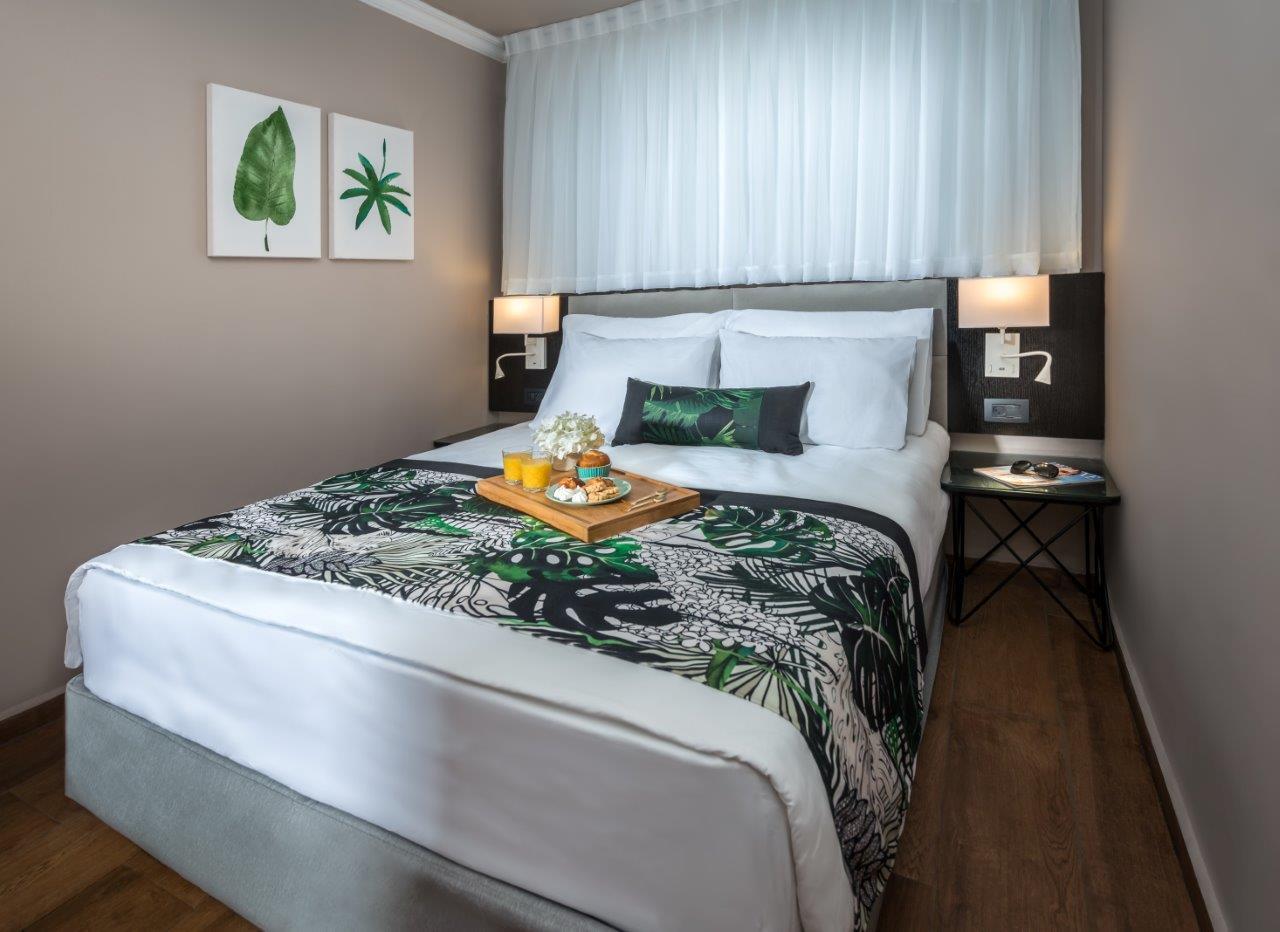 מלון דפנה – חדרי מים