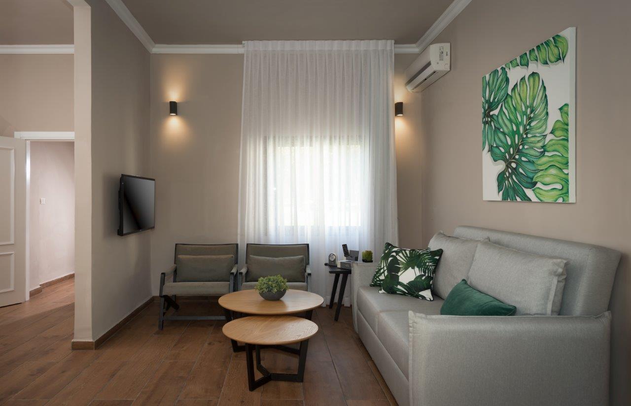 מלון דפנה – חדרי אדמה